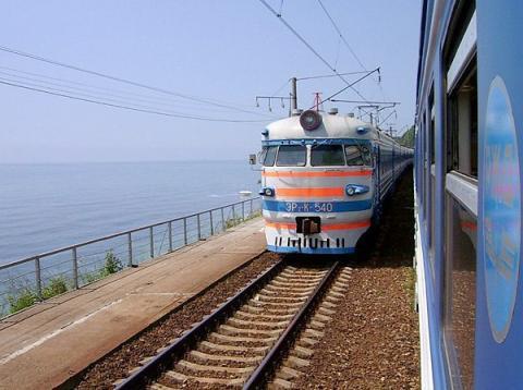 Крымская железная дорога закупит 800 вагонов для запуска движения по мосту