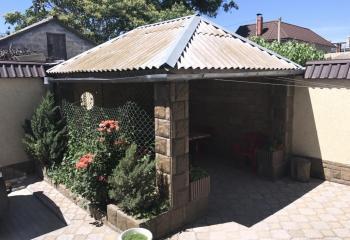 Сдается 6-комнатный дом в исторической части Евпатории