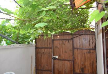 Сдается однокомнатный дом с отдельным двором