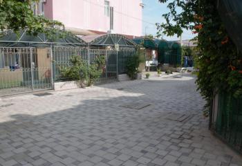 Дом двухкомнатный с двором